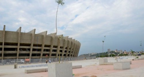 Mineirao_construction_view3_Oct_2012_Article